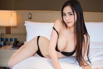 Xinh đẹp nóng bỏng trong phòng với em gái Moa 小姐