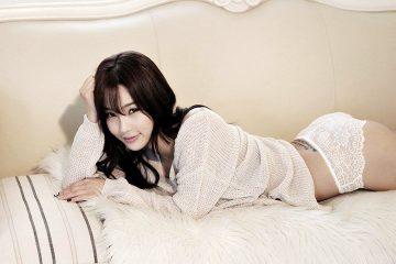 Lee Jina 이지나 sexy Black dress