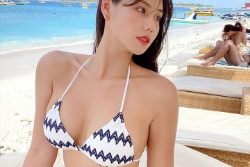 Jeon Bo-ram Blue Bikini