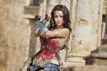 Cosplay Wonder Women xinh ngất ngây
