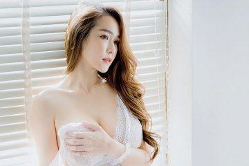 Beautiful In White – Thailand Model Mananya Benjachokanant