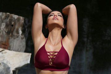 Người mẫu Melissa Riso Water Bikini Photoshoot in Malibu